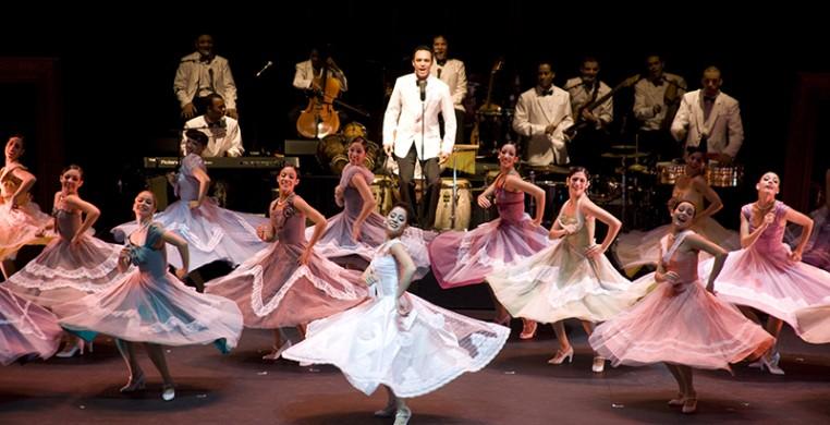 Cuba Vibra by Jorge Gavilando.