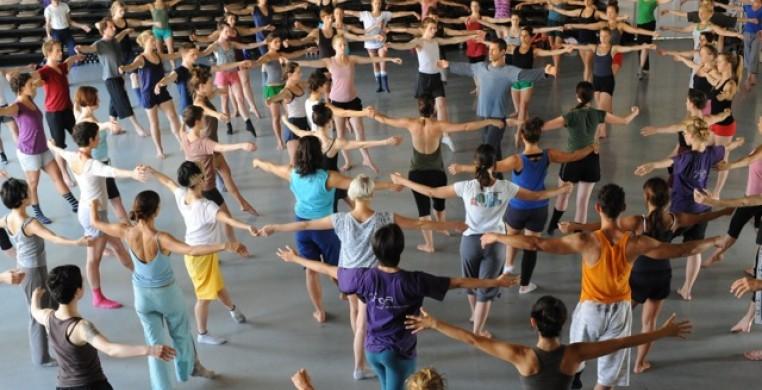 Gaga Dancers with Ohad, photo Gadi Dagon