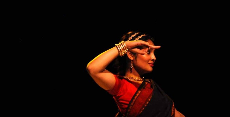 A principal artist with Mandala Arts, Ashwaty Chennat is a Chicago-based Bhartanatyam artist. Bhartanatyam is a classical Indian dance form, popularly known for a focus on juxtaposing sharp rhythms with soft expressive movements and miming.