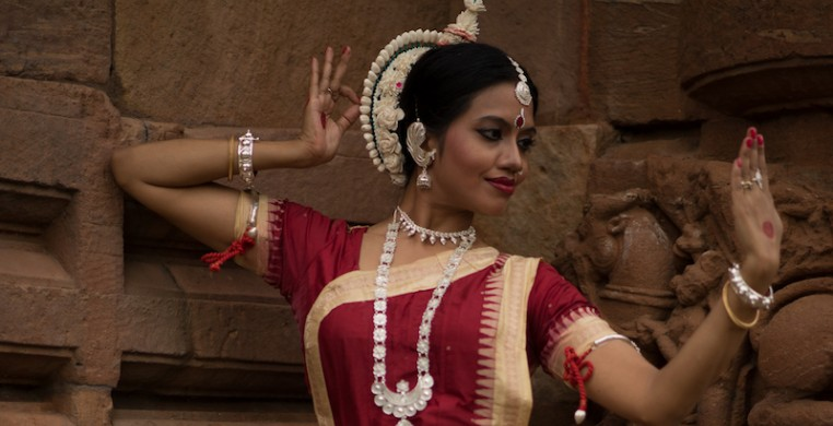 Based in Odisha, India, Sonali is a renowned Odissi artist. Odissi is a classical Indian dance form lauded for its hypnotic body isolations and sculpturesque poses and movement.