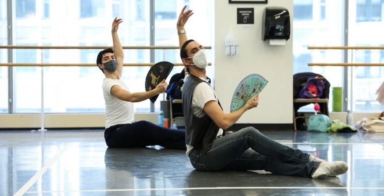 "Pablo Sanchez rehearses his work ""¡Viva!"" at Joffrey Tower. Photo courtesy Joffrey Ballet."