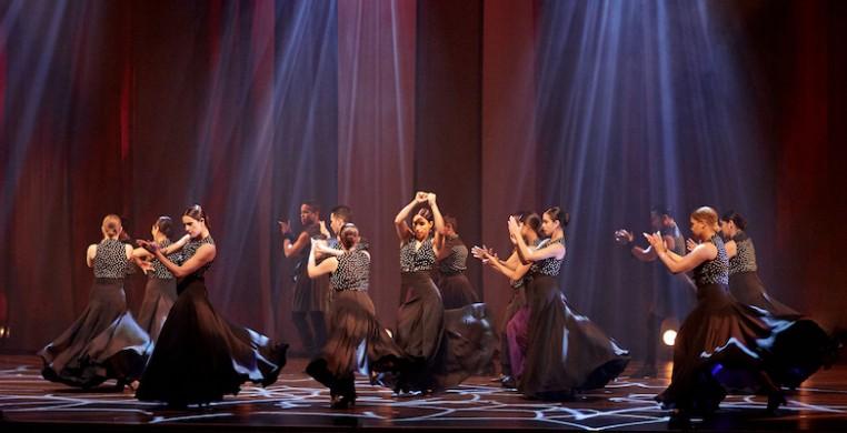 """Ensemble Espanol Spanish Dance Theater in """"Mar de Fuego,"""" photo by Dean Paul"""