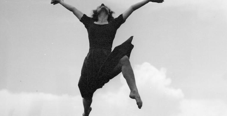 Sybil Shearer. Photo by Helen Balfour Morrison, courtesy of the Morrison-Shearer Foundation