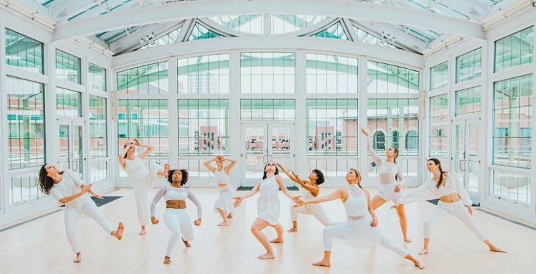 The senior class of dance majors at Loyola University Chicago. Photo by Emma Peterson