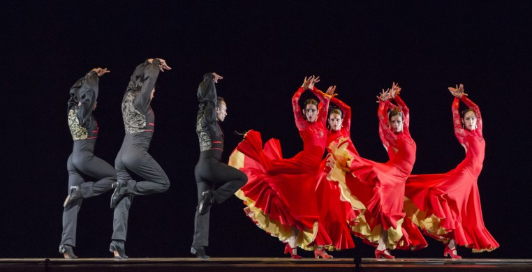 "Ensemble Español in ""Bolero"" (photo: Dean Paul)"
