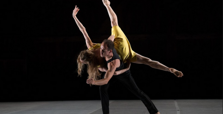 "Brian Brooks and Wendy Whelan in ""Restless Creature"" (phtot cr.: Christopher Duggan)"